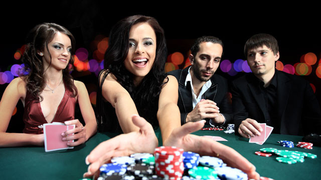 gamblerz-banner-people-at-casino-1